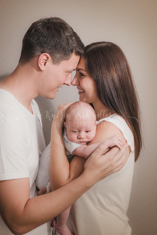 Newborn Fotoshooting zu Hause Dresden